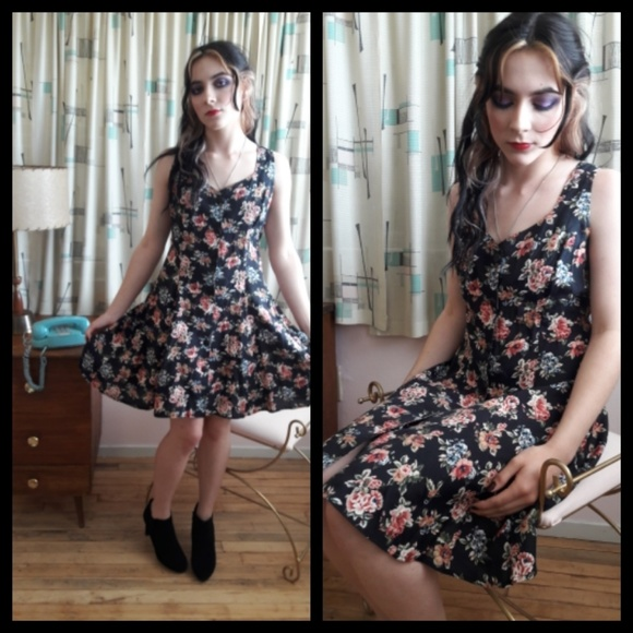 e79ee24f3be Beautiful Vtg 90 s Rampage lace up floral dress! M 5aa8bb3da6e3eae7cbcd31d7